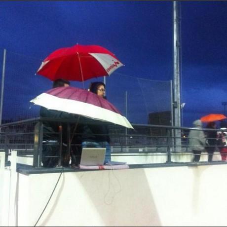 Zona de Prensa bajo la lluvia